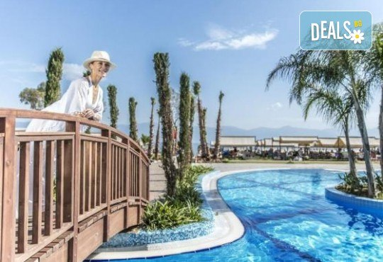 Почивка в Кушадасъ, Турция, в луксозния хотел Amara Sealight Elite 5*, с Глобус Холидейс! 4, 5 или 7 нощувки на база 24 Н Ultra All Inclusive, безплатно за дете до 12.99г. - Снимка 16