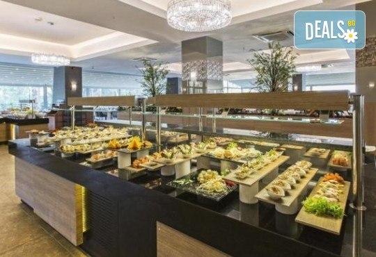 Почивка в Кушадасъ, Турция, в луксозния хотел Amara Sealight Elite 5*, с Глобус Холидейс! 4, 5 или 7 нощувки на база 24 Н Ultra All Inclusive, безплатно за дете до 12.99г. - Снимка 11