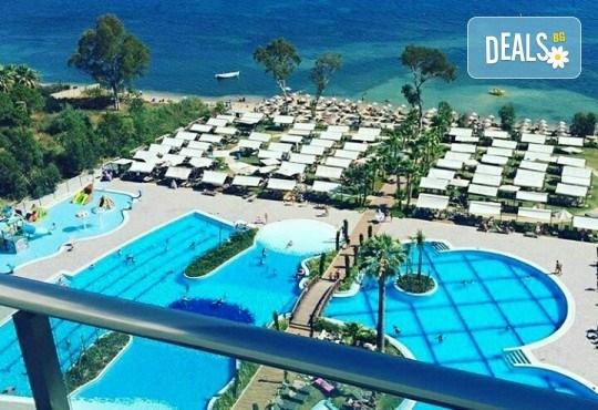 Почивка в Кушадасъ, Турция, в луксозния хотел Amara Sealight Elite 5*, с Глобус Холидейс! 4, 5 или 7 нощувки на база 24 Н Ultra All Inclusive, безплатно за дете до 12.99г. - Снимка 3