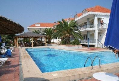 Ранни записвания за лятна почивка в Hotel Rihios 3* в Ставрос, Гърция! 7 нощувки със закуски и вечери, възможност за организиран транспорт! - Снимка