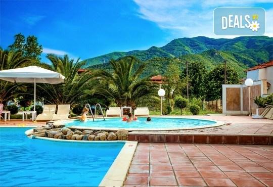Лятна почивка в Stavros Beach Hotel 3*, Ставрос, Гърция! 7 нощувки със закуски и вечери, възможност за организиран транспорт! - Снимка 1