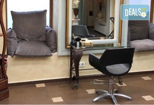 Подстригване, кератинова терапия за коса в три стъпки и оформяне със сешоар в луксозния салон Bona Dea! - Снимка 8