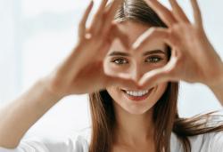 Пакет Дълголетие - преглед при кардиолог, консултация, ЕКГ, преглед на очни дъна при офтамолог, изследвания и препоръки в ДКЦ Alexandra Health! - Снимка