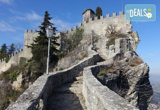 Потвърдено пътуване! Екскурзия за Великден до Рим, Флоренция, Болоня и Лидо ди Йезоло! 5 нощувки със закуски, транспорт и посещение на Сан Марино! - Снимка 7