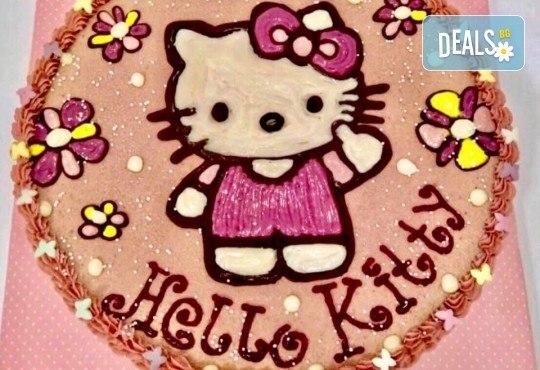 Красива и полезна тематична торта за Вашия малчуган! Сурова торта, без глутен и животински продукти, с вкус по избор, рисунка, весели фигурални декорации и надпис от Сладкишница Хенди Кенди! - Снимка 12
