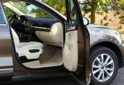 Цялостно машинно пране и подсушаване на салон на автомобил на Ваш адрес от Професионално почистване ЕТ Славия! - Снимка