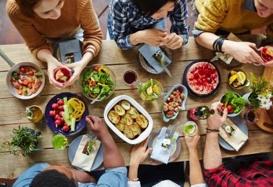 Платете 10 и хапнете за 20 лева традиционни български ястия по избор от цялото меню на Иванова Механа! - Снимка