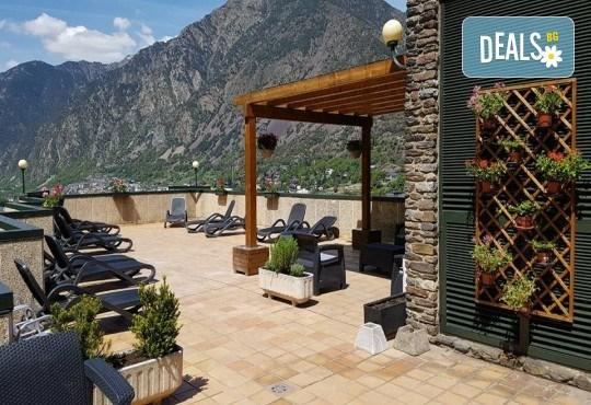 Ранни записвания за екскурзия до Андора през септември! 4 нощувки със закуски и вечери в Hotel Panorama 4*, самолетни билети и трансфери, индивидуална програма от Маджестик Турс! - Снимка 11