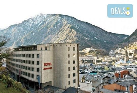 Ранни записвания за екскурзия до Андора през септември! 4 нощувки със закуски и вечери в Hotel Panorama 4*, самолетни билети и трансфери, индивидуална програма от Маджестик Турс! - Снимка 6