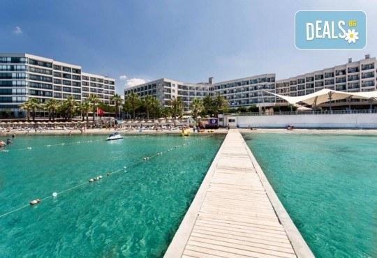 На море през май или октомври в Кушадасъ, Турция! 5 или 7 нощувки на база All Inclusive в хотел Tusan Beach Resort 5*, безплатно за дете до 12 г., възможност за транспорт - Снимка 2