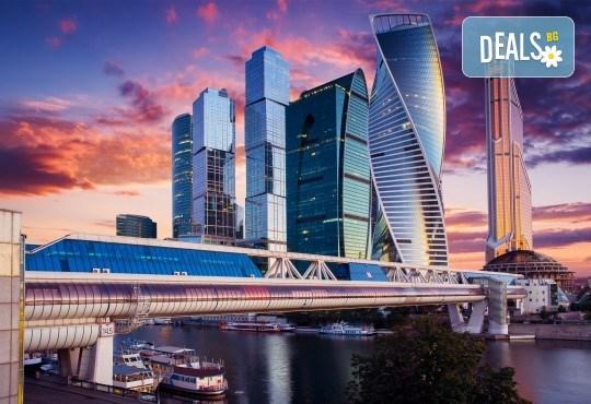 Величието на Русия! Екскурзия до Санкт Петербург и Москва с Лъки Холидей! Самолетни билети, трансфери, 6 нощувки, 5 закуски и 7 вечери в хотели 3 и 4*, туритическа програма - Снимка 3