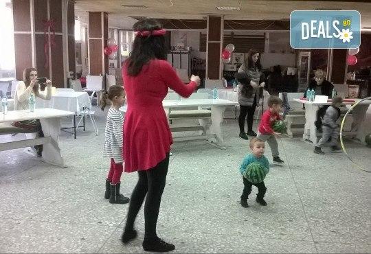 Наем на зала за 2 часа за детски рожден ден с включено караоке парти, дискотека, танци и украса в Център Temporadas! - Снимка 8