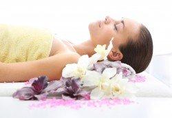 50-минутен релаксиращ масаж на цяло тяло + бонус: масаж на ходила и длани в център Beauty and Relax, Варна! - Снимка