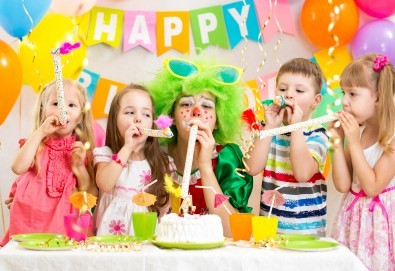 2 часа детски рожден ден с аниматор - водещ на игри, караоке парти, дискотека, танци и украса в Център Temporadas! - Снимка