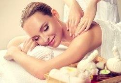 70-минутен антистрес масаж на цяло тяло, ходила, длани и глава в център Beauty and Relax, Варна! - Снимка