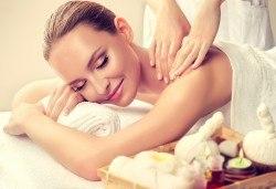 120-минутен Spa Mix Изток-Запад! Релаксиращ масаж на тяло с какаово масло и пилинг с кафе, Hot Stone терапия, китайски масаж на лице, шия и деколте в център GreenHealth - Снимка
