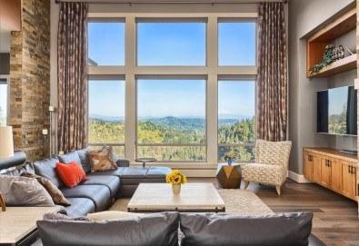 Двустранно измиване на прозорци и дограми на дом или офис до 100кв.м. от Професионално почистване Брилянтин БГ! - Снимка