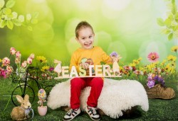 Пролетно-великденска фотосесия за цялото семейство, с неограничен брой обработени кадри, от Pandzherov Photography! - Снимка