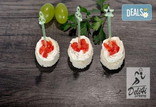 Парти сет с 56 или 86 броя вкусни и ароматни коктейлни хапки микс за всеки повод и 50% отстъпка за вкусотиите на кулинарна работилница Деличи! - Снимка 1