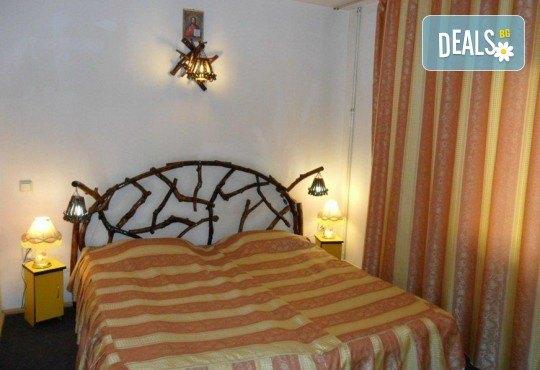 Екскурзия през май до Румъния! 2 нощувки със закуски в Hotel Bulevard 2* в Синая, транспорт, екскурзовод и програма в Букурещ! - Снимка 17