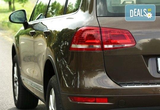 Цялостна грижа за Вашия автомобил! Пастиране, полиране и външно или комплексно измиване в сервиз Автомакс 13! Предплатете! - Снимка 3