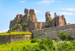 Еднодневна екскурзия на 13.04. до Белоградчишките скали, крепостта Калето и пещерата Магурата! Транспорт и водач от агенция Поход! - Снимка
