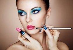 Красива визия за всеки повод! Професионален дневен или вечерен грим с козметика Duglas и Pupa Make up в салон за красота Bianca! - Снимка