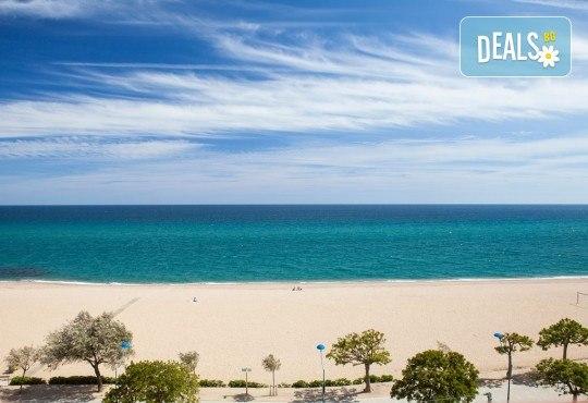Ранни записвания за морска почивка в Малграт де Мар, Испания! 7 нощувки със закуски и вечери в хотел 3*, самолетен билет, летищни такси, трансфери - Снимка 17