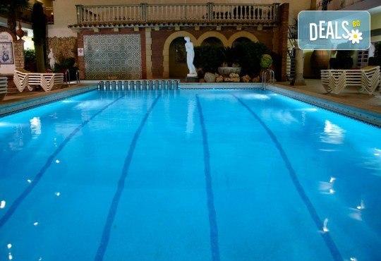Ранни записвания за морска почивка в Малграт де Мар, Испания! 7 нощувки със закуски и вечери в хотел 3*, самолетен билет, летищни такси, трансфери - Снимка 16