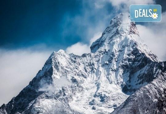 Пътуване до Непал с водач с български език! Самолетен билет, летищни такси и включен багаж, всички трансфери, 9 нощувки пълен пансион, екскурзии, входни такси, възможност за полет над Еверест - Снимка 2