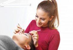 Удължаване и сгъстяване на мигли по метода косъм по косъм или с 3D копринени мигли в салон за красота Bianca! - Снимка