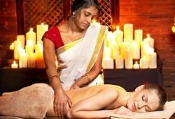 Индийски приказен масаж в 50 мин. с арома терапия и техника за балансиране на лимфните потоци в SPA център Senses Massage & Recreation! - Снимка