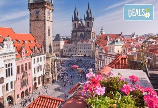 През юни или август до Прага и Братислава: 3 нощувки и закуски, транспорт