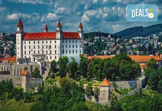 Златна есен в златна Прага! Екскурзия с 3 нощувки и 2 закуски, транспорт, водач и посещение на Будапеща и Братислава! - Снимка 8