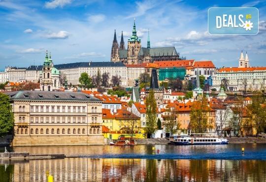 Октомври в Будапеща, Прага и Братислава: 3 нощувки, 2 закуски, транспорт и водач