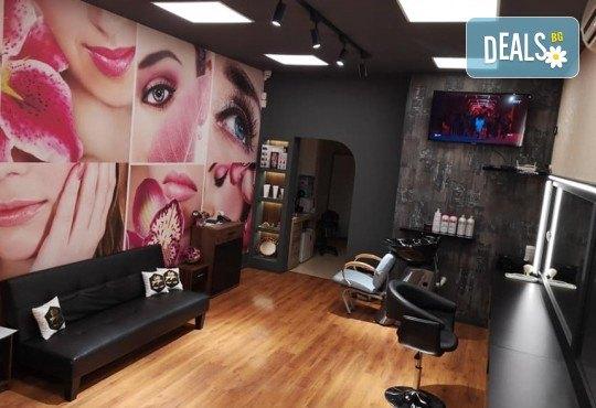 Ултразвуково почистване на лице с френска и българска козметика + масаж и медицинска маска в Студио за красота BEAUTY STAR до Mall of Sofia! - Снимка 9
