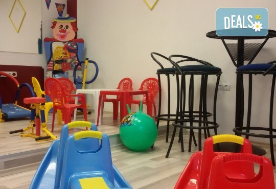 Парти Направи си сам! Над 2 часа детски рожден ден за 15 деца: включена зала, украса, напитки и възможност за лично планиране на партито в Детски център Щастливи деца! - Снимка 7