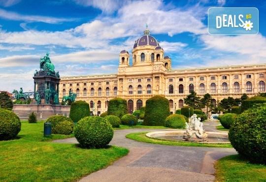 Септемврийски празници в Будапеща и Виена: 3 нощувки и закуски, транспорт и водач