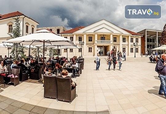 През септември или октомври до Будва, Требине, Мостар, Сараево и Дубровник - 4 нощувки със закуски, транспорт, бонус: посещения на Каменград, Дървенград и Вишеград! - Снимка 13