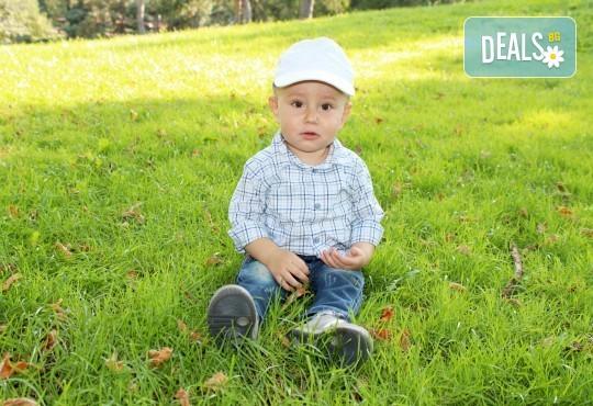 Фото заснемане на детска, семейна или индивидуална фотосесия на открито, с безплатни забавни аксесоари и подарък DVD! - Снимка 24