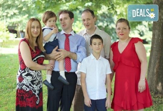 Фото заснемане на детска, семейна или индивидуална фотосесия на открито, с безплатни забавни аксесоари и подарък DVD! - Снимка 11