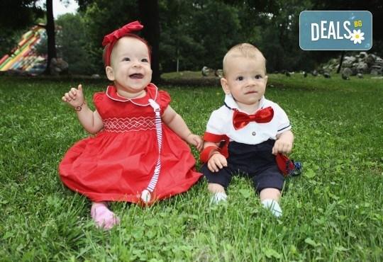 Фото заснемане на детска, семейна или индивидуална фотосесия на открито, с безплатни забавни аксесоари и подарък DVD! - Снимка 2