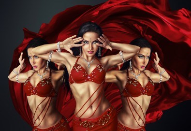 Ориенталска танцьорка за Вашето ергенско, фирмено или частно парти от Neo Productions! - Снимка