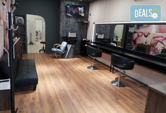 Педикюр с гел лак ORLY или Cuccio + масаж на ходилата и ДВЕ рисувани декорации в Студио за красота BEAUTY STAR до Mall of Sofia! - Снимка 9