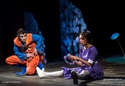 На театър с децата! Гледайте новата приказка Хензел и Гретел на 12.05. от 11 ч. в Младежки театър, голяма сцена! Билет за един - Снимка