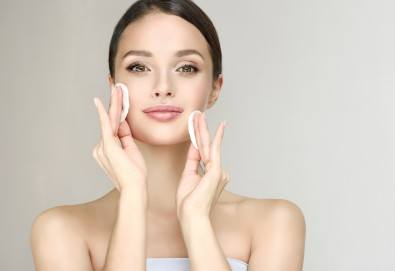 Чиста и сияйна кожа! Дълбоко почистване на лице в 10 стъпки с висок клас козметика във VM's Beauty House! - Снимка