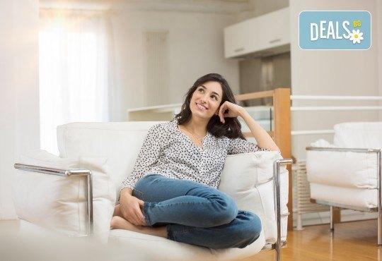 Двустранно измиване на прозорци на дом или офис до 70 или до 100 кв.м. + пране на мека мебел до 5 седящи места от Клийн Груп БГ! - Снимка 1
