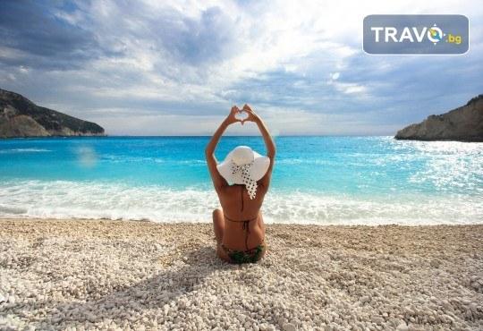 Екскурзия през септември или октомври до о. Лефкада, Гърция: 3 нощувки със закуски, транспорт и посещение на плажа Агиос Йоаннис с вятърните мелници! - Снимка 6