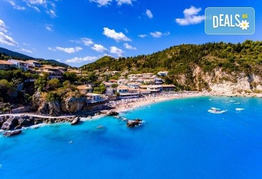 Екскурзия през юни или юли до приказния остров Лефкада, Гърция: 3 нощувки със закуски, транспорт и фотопауза на плажа Агиос Йоаннис с вятърните мелници! - Снимка 7
