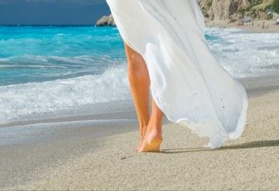 Екскурзия през юни или юли до приказния остров Лефкада, Гърция: 3 нощувки със закуски, транспорт и фотопауза на плажа Агиос Йоаннис с вятърните мелници! - Снимка